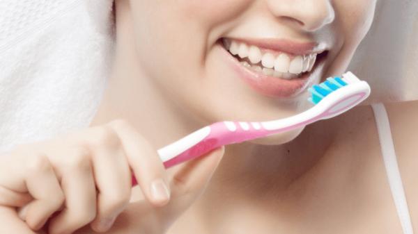 การแปรงฟัน